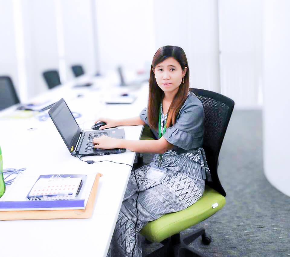 アライズミャンマー ウェブプログラマ Arise Myanmar Web Programmer